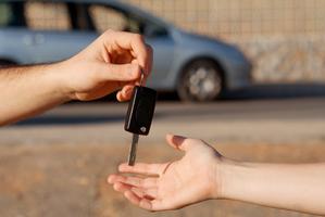 Résiliser son assurance voiture après une vente